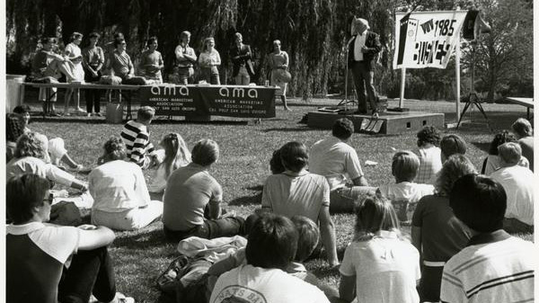 Cal Poly students attending a presentation by the American Marketing Association, 1985.