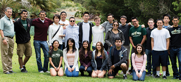 President Armstrong and Cal Poly Scholars students celebrating at the Cal Poly Arboretum